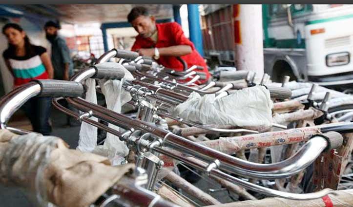 कर्फ्यू-लॉकडाउन के बीच Punjab में शुरू हुए उद्योग, कामगारों की उम्मीद जगी