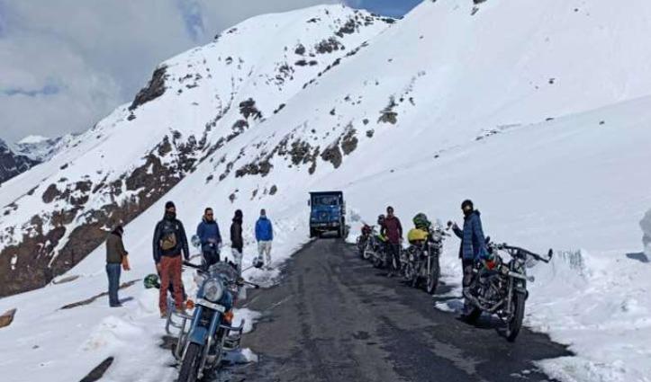Rohtang Pass चार दिन बाद बहाल, पांगी-किलाड़ व लाहुल घाटी से 150 वाहन पहुंचे कोकसर