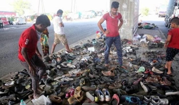 चलते-चलते घिस गई चप्पलें, मजदूरों की हालत देख मदद को आगे आई Agra Police