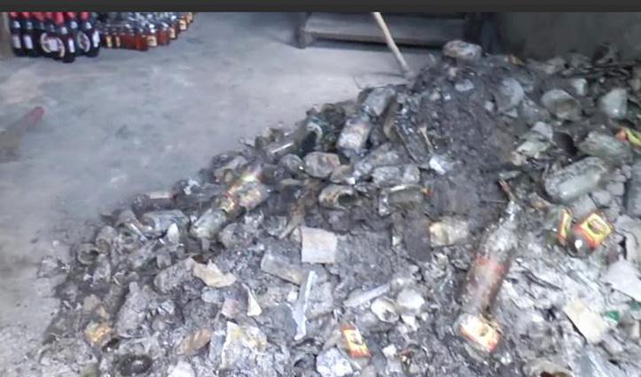 Paonta Sahib: राजबन में ठेके में लगी आग, लाखों की शराब की बोतलें जलीं