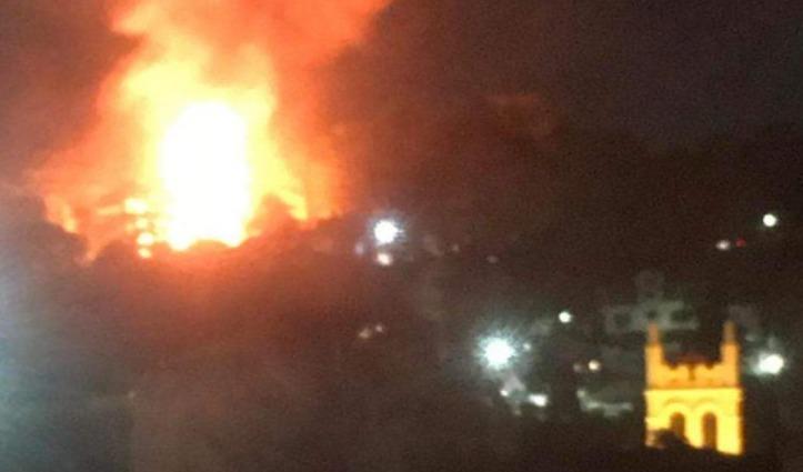 Holly Lodge के समीप मजदूरों के ढारे में फटा सिलेंडर, धमाके के साथ भड़की आग, महिला झुलसी