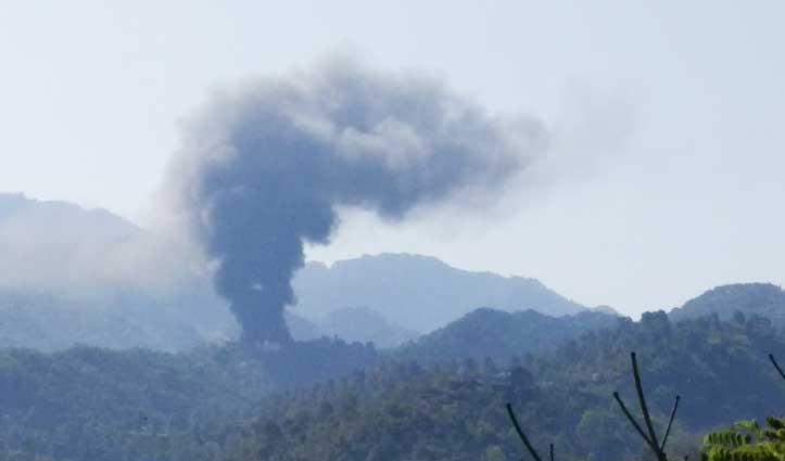 Sirmaur: बिरोजा फैक्ट्री में जोरदार धमाके के बाद भड़की आग, लाखों का नुकसान