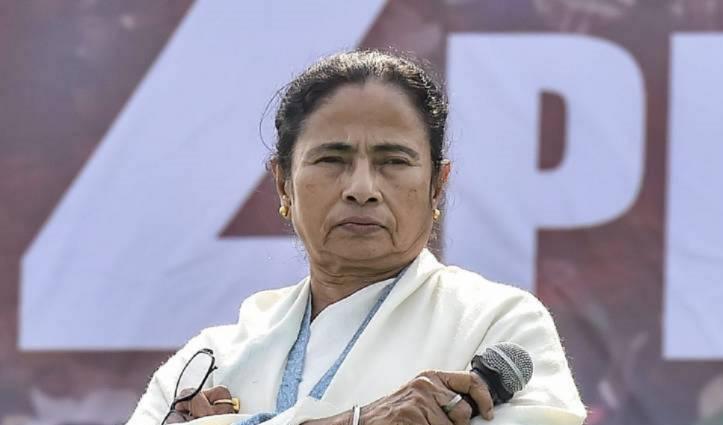 'अम्फान' से Bengal में 72 लोगों की मौत, PM मोदी करें राज्य का दौरा: ममता बनर्जी