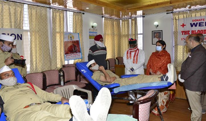बंडारू दत्तात्रेय बोले: कोरोना महामारी के दौर में Red Cross की भूमिका अहम