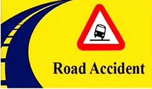 #Roadaccident: हिमाचल में चार की गई जान, रिकांगपिओ में चलती गाड़ी पर गिरी चट्टानें
