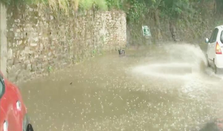 मौसम: प्रदेश में बारिश के साथ हुई ओलावृष्टि, Rohtang की चोटियों पर हिमपात