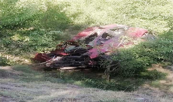 Rohru में खाई में समाई कार , दो युवकों की गई जान , 3 गंभीर घायल