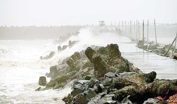 """भयंकर चक्रवाती तूफान में बदल सकता है """"अम्फान"""" 20 मई तक बढ़ा खतरा"""