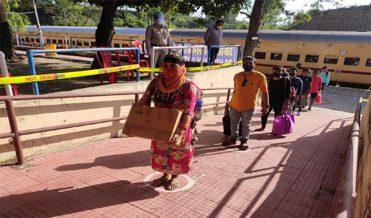 Goa में फंसे 1400 हिमाचलियों को लेकर आज सुबह Una पहुंची Special Train