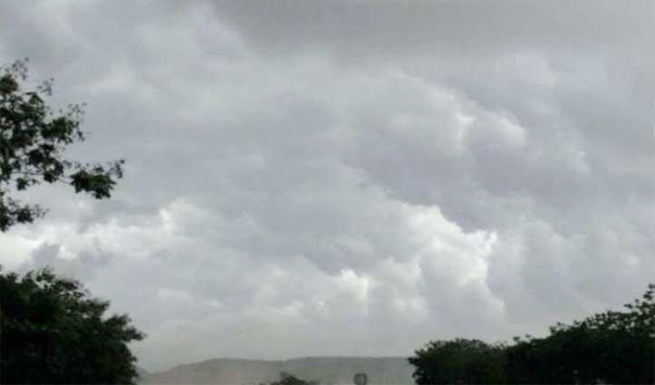 मौसम का हालः Himachal सहित इन राज्यों में बारिश के साथ तेज हवाएं चलने की संभावना