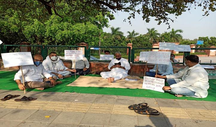 प्रवासियों के मुद्दे पर धरना दे रहे पूर्व मंत्री यशवंत सिन्हा को Delhi Police ने किया गिरफ्तार