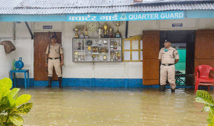 Assam में बाढ़ का कहर : अब तक 12 लोगों की मौत, CRPF Headquarter में घुसा पानी