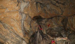 देवभूमि हिमाचल में इस गुफा के अंदर है गुप्त अमरनाथ का वास
