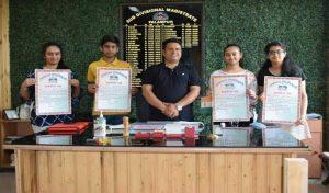 SDM ने प्रशस्ति पत्र देकर सम्मानित किए होनहार
