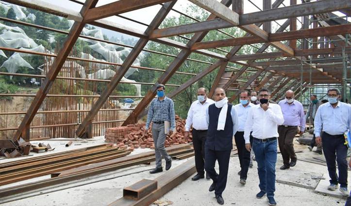 तीन माह के अंतराल के बाद CM Jai Ram ने रखे अपने घर कदम, देखें तस्वीरें