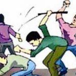Una: टेलर की दुकान में दो गुटों के बीच मारपीट, जमकर चले हथियार; युवक लहूलुहान