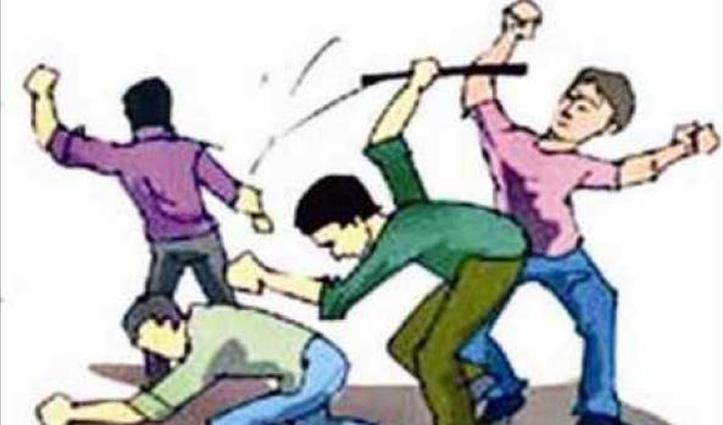 तीन लोगों ने शेड में रह रहे मजदूरों पर किया डंडों से किया Attack, एक की मौत; आरोपी Arrest