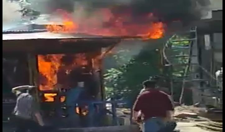अढाई माह बाद खोली थी दुकानें, Anni में भड़की आग से तीन दुकानें आई चपेट में