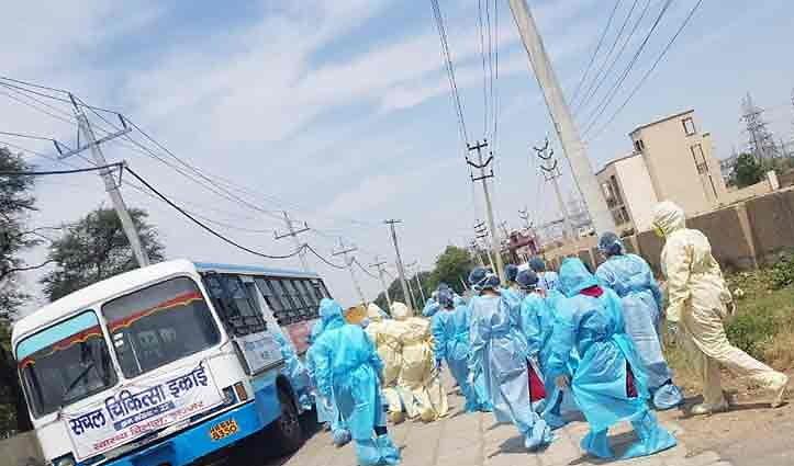 Haryana: 9 जिलों में 184 नए संक्रमित मिले, गुरुग्राम-फरीदाबाद में फिलहाल नहीं खुलेंगे धर्म स्थल और मॉल