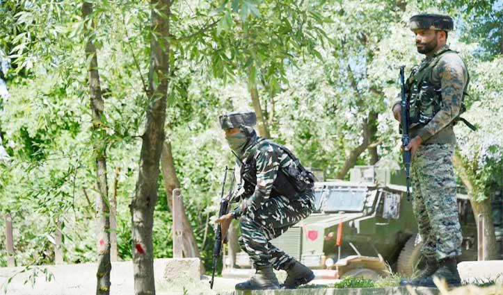 Srinagar के नवगाम में सुरक्षाबलों पर Terrorist Attack, दो जवान शहीद, एक घायल