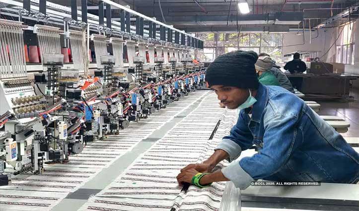 'गांवों की ओर चले उद्योग जगत; Jobs के लिए नहीं आना होगा शहर'