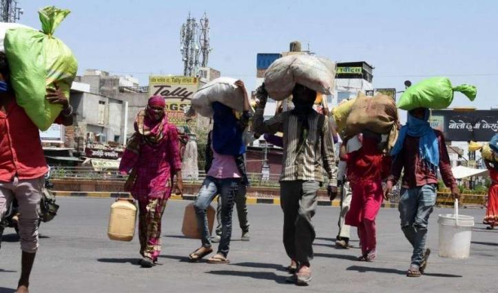 SC का फैसला : 15 दिन के अंदर मजदूरों को भेजें घर, दर्ज किए गए Case भी लिए जाएं वापस