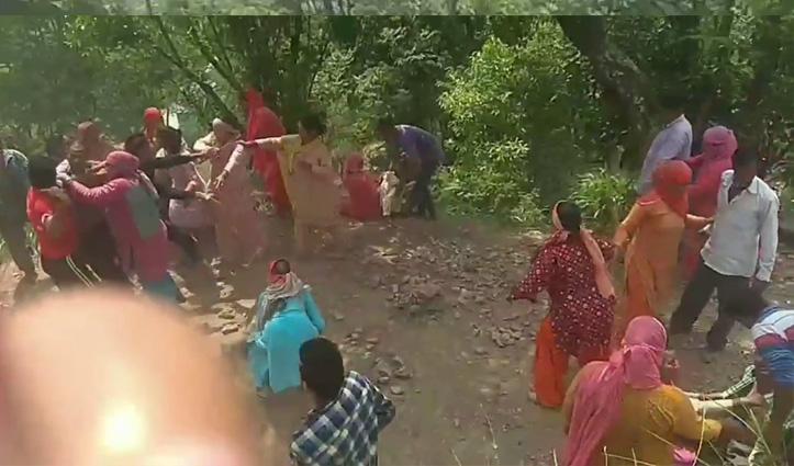 सरकाघाट: सड़क को लेकर शुरू हुआ विवाद मारपीट में बदला, Video Viral