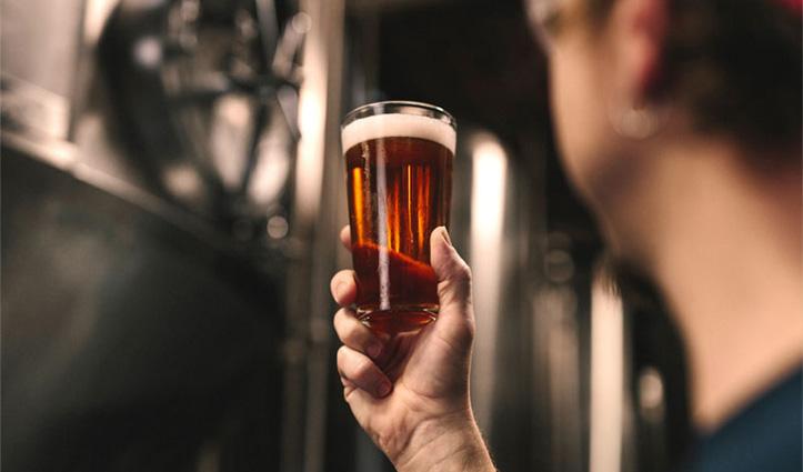 10 Can बीयर पीकर पूरे दिन सोया चीनी शख्स, फटा मूत्राशय