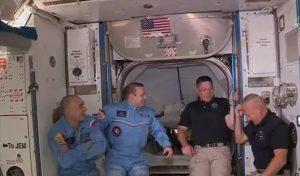 स्पेसX कैप्सूल के जुड़ने के बाद ISS में NASA के अंतरिक्षयात्रियों ने किया प्रवेश