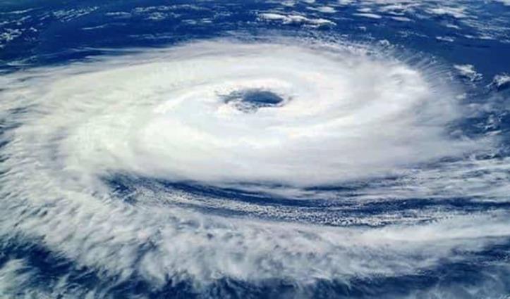 आज Mumbai में तबाही मचा सकता है 'निसर्ग', 90-100 किमी प्रति घंटा हुई हवा की रफ्तार