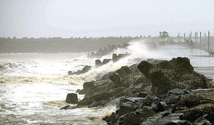 अम्फान के बाद मंडराया 'निसर्ग' का खतरा: गुजरात में NDRF की 11, महाराष्ट्र में 10 टीमें तैनात