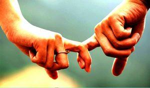शादीशुदा जिंदगी को खुशहाल बनाने के अपनाएं ये तरीके, जिंदगी भर रहेगा प्यार