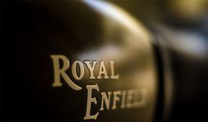 Royal Enfield और Trimph दे रही हैं अपने वाहनों पर अब तक का सबसे धांसू ऑफर