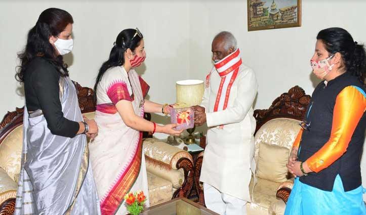राज्यपाल से मिले कुंडू, BJP महिला मोर्चा पदाधिकारियों ने भी की मुलाकात