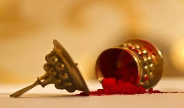 पत्नी का सिंदूर लगाने से इनकार करना दिखाता है कि उसे शादी मंज़ूर नहीं: HC