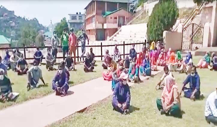 Solan में हड़ताल पर बैठे 120 सफाई कर्मचारी, ये है मांगें