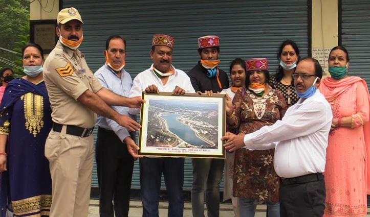 Lockdown में सुंदरनगर फंसा कोलकाता का परिवार तीन माह बाद नम आंखों से हुआ विदा- जाने क्यों