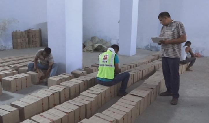 Una: विजिलेंस ने झलेड़ा में शराब कारोबारी के गोदाम और वॉटलिंग प्लांट में पकड़ा illegal शराब का जखीरा