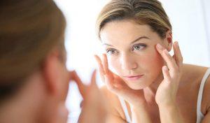 बढ़ती उम्र में भी नजर आओगे जवां, अपनाओ ये Skin Care Routine