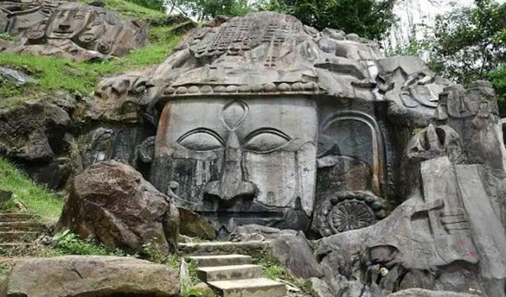 रहस्य से भरा उनाकोटी, यहां जंगल के बीच बनी हैं 99 लाख 99 हजार 999 मूर्तियां