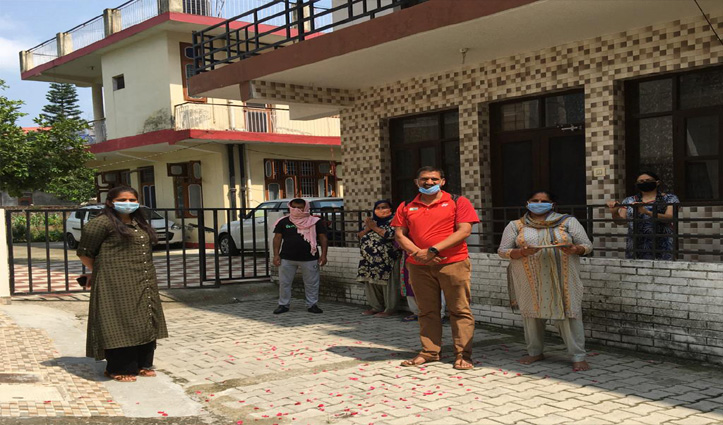 कोरोना से लड़कर घर लौटी प्रशिक्षु डॉ. रिया