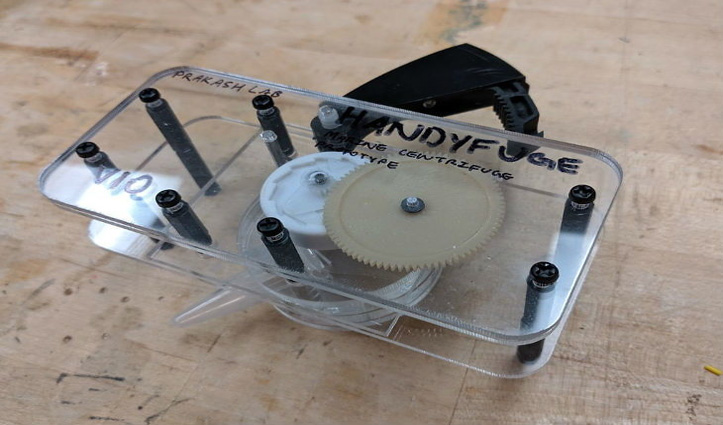 बिना बिजली के हो सकेगा Covid-19 टेस्ट: भारतीय शोधकर्ता की टीम ने बनाया सस्ता, विद्युत रहित सेंट्रीफ्यूज
