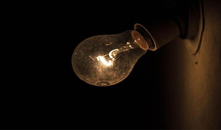 Una: शरारती तत्वों से हर कोई परेशान, रात के अंधेरे में तोड़ते हैं घरों की Lights, बकते हैं गालियां