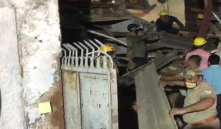 Noida: निर्माणाधीन बहुमंजिला इमारत गिरी, हादसे में दो ने गंवाई जान, कई के दबने की आशंका