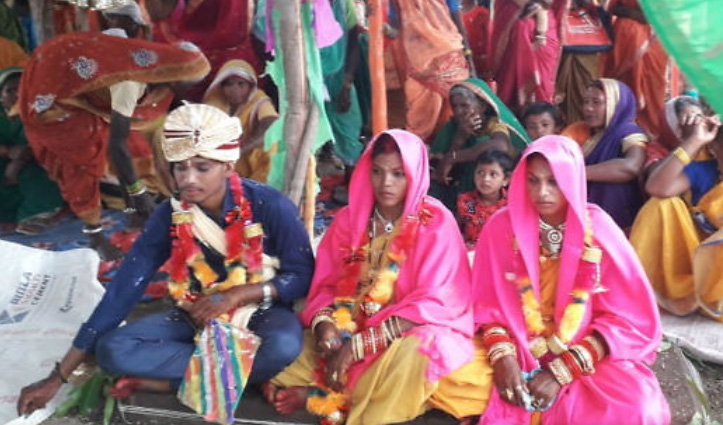 एक विवाह ऐसा भी: शख्स ने एक ही मंडप में की घरवालों की पसंद की युवती और Girlfriend से शादी
