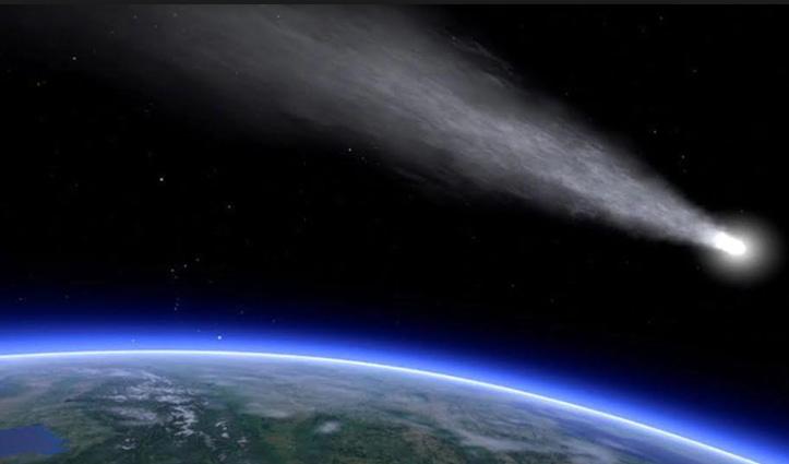 आसमान से गिरता दिखा उल्कापिंड, Viral हो रहा शानदार Video