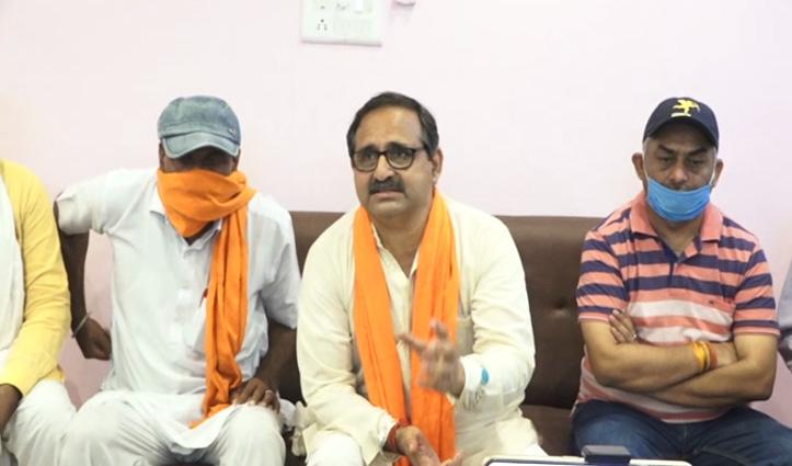 रणधीर बोले- Congress सेना का अपमान करने वाले के साथ या Neeraj Bharti पर करेगी कार्रवाई, करे साफ