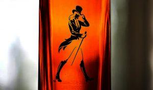 अगले साल से कागज की बोतल में आएगी दुनिया की Famous Whiskey