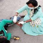 Accident के बाद सड़क पर पड़ा रहा युवक, किसी ने हाथ नहीं लगाया, Doctor MLA ने किया इलाज