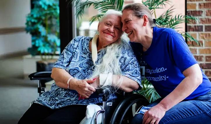 कोरोना काल में 50 साल बाद मिली दो बहनें, जानिए कैसे हुआ ये करिश्मा
